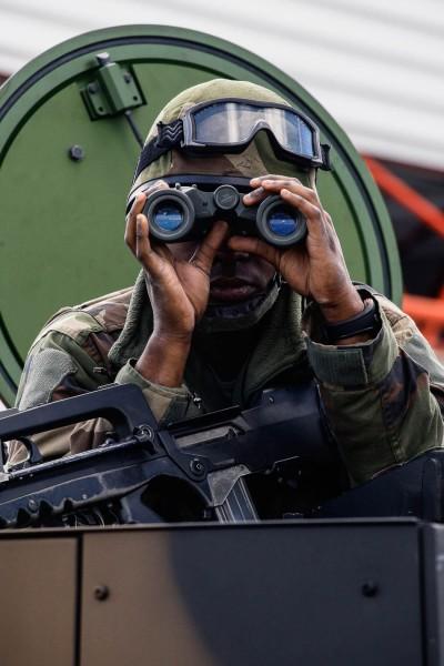 Sur la Base des Pujols prise la veille,les hommes surveillent les alentours. 13/06/12 Pamiers