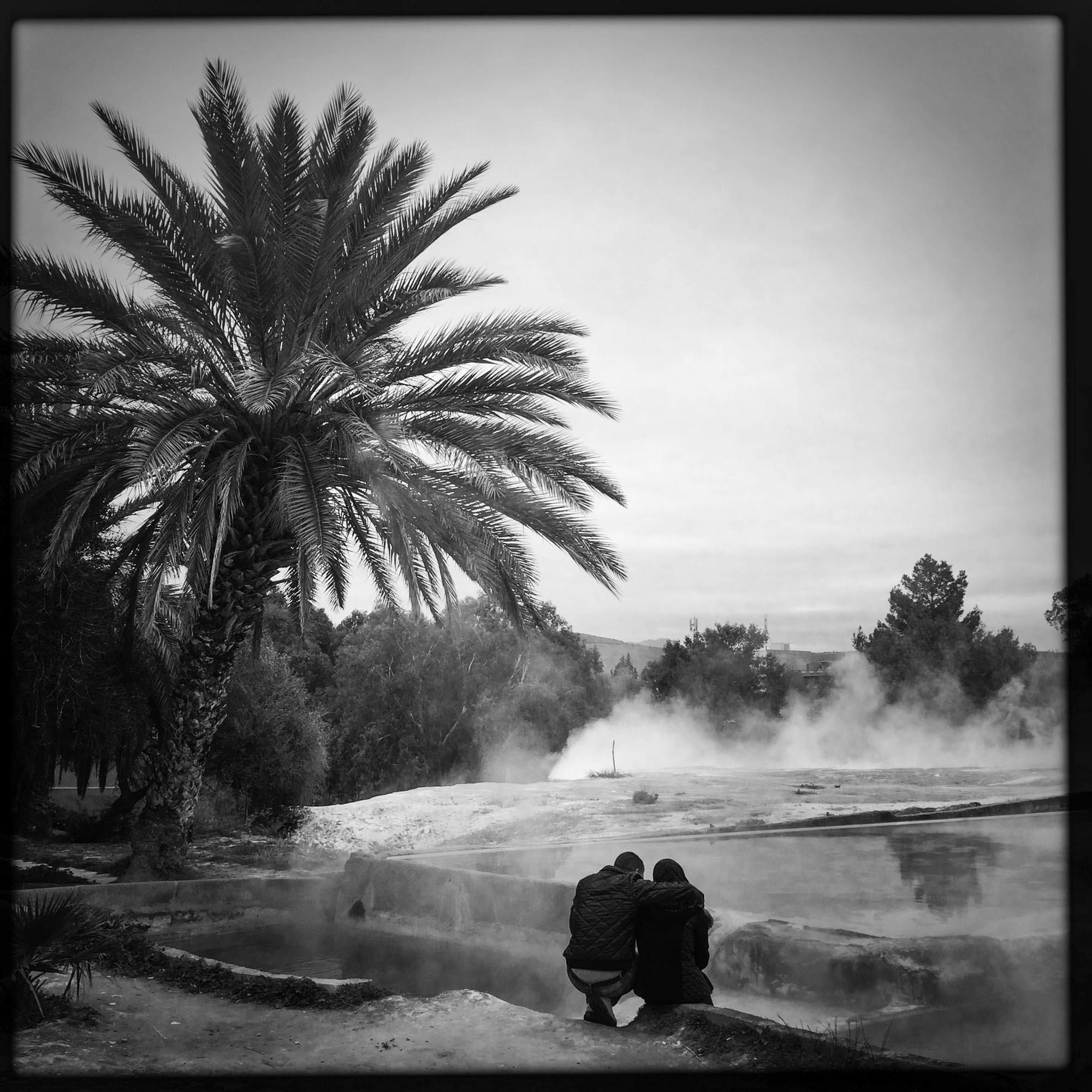 Des amoureux se retrouvent au Hammam de Meskhoutine se situe à 15 km de la ville de Guelma c'est une des nombreuses stations thermales de la région.10/02/2016, Meskhoutine-ALGERIE.