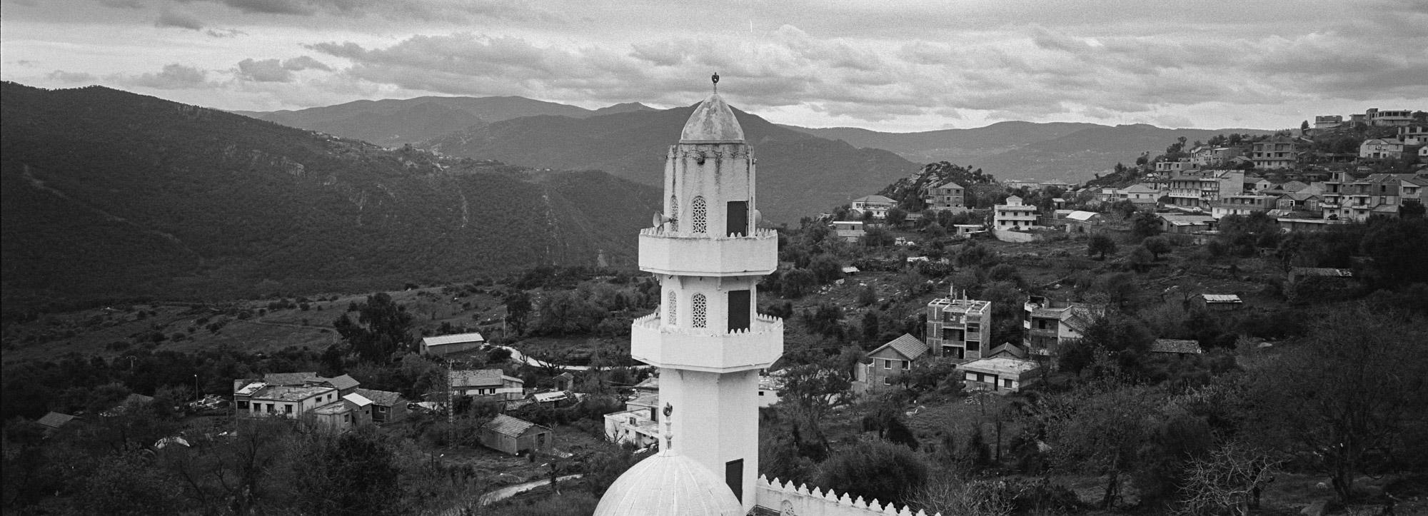 Une mosquée dans une vallée de la Kabylie. 12/02/2016, Yakouren-ALGERIE.