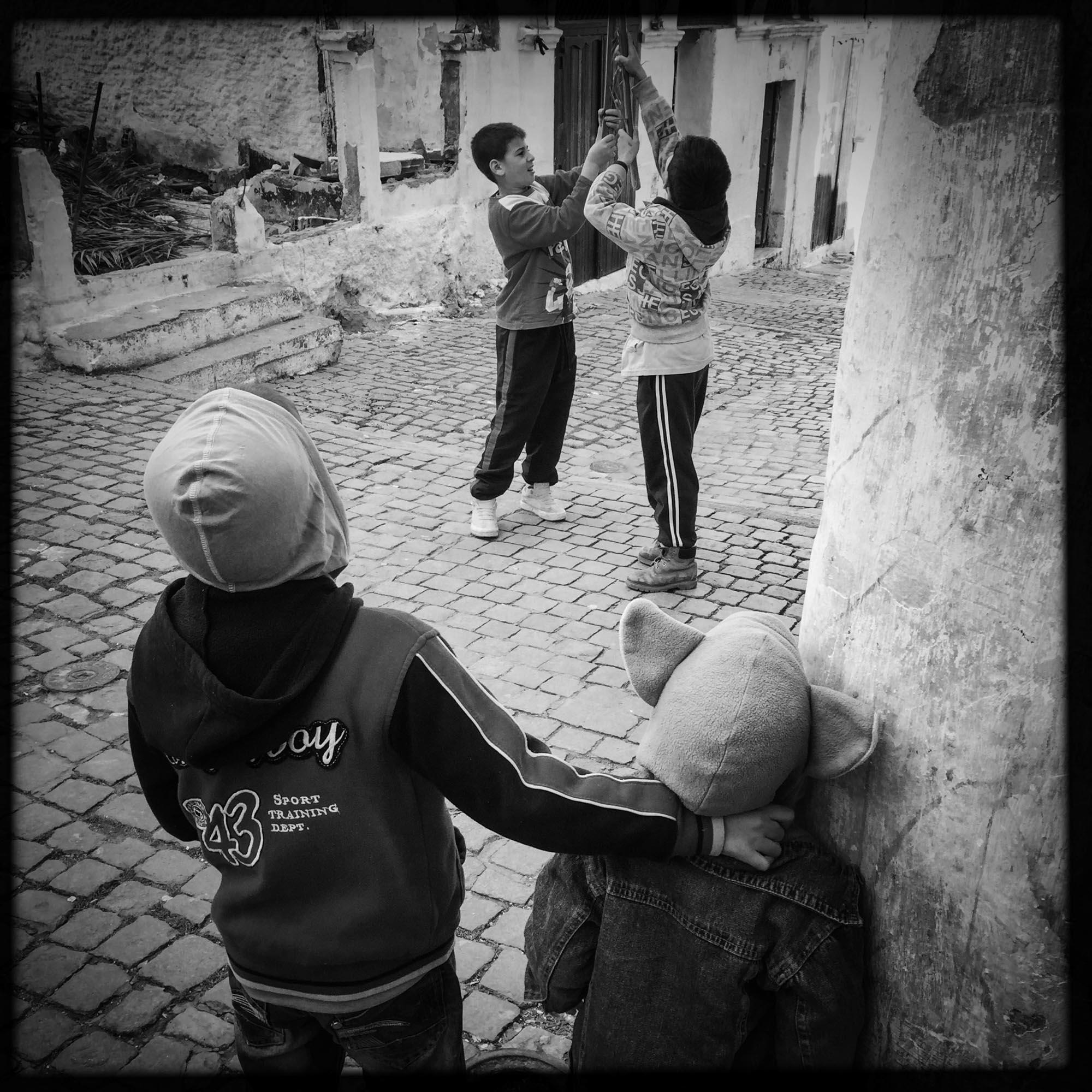 Jeux d'enfants dans la Casbah.17/02/2016, Alger-ALGERIE.