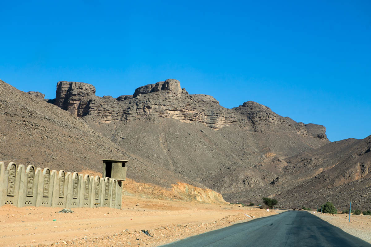 Military barracks on the side of  the National Road national 1 also known as Trans-Saharan The national 1 also known as Trans-Saharan highway who connects on 1930km, the capital, Algiers to Tamanrasset forbidden to the western travelers since 2010 due to terrorist risks.