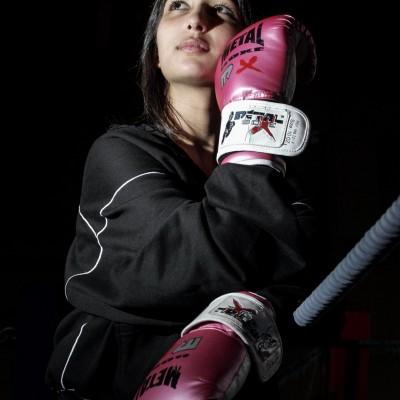 Safia Benbala, championne du monde de boxe Française. 1er Février 08 Toulouse Frédéric Scheiber/Commande pour le magazine Mise en Scène