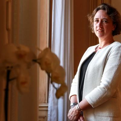 Le maire d'Albi, Stephanie Guiraud-Chaumeil, dans son bureau de l'hôtel de ville. Albi -FRANCE, 15/05/2015/Commande pour l'Express.