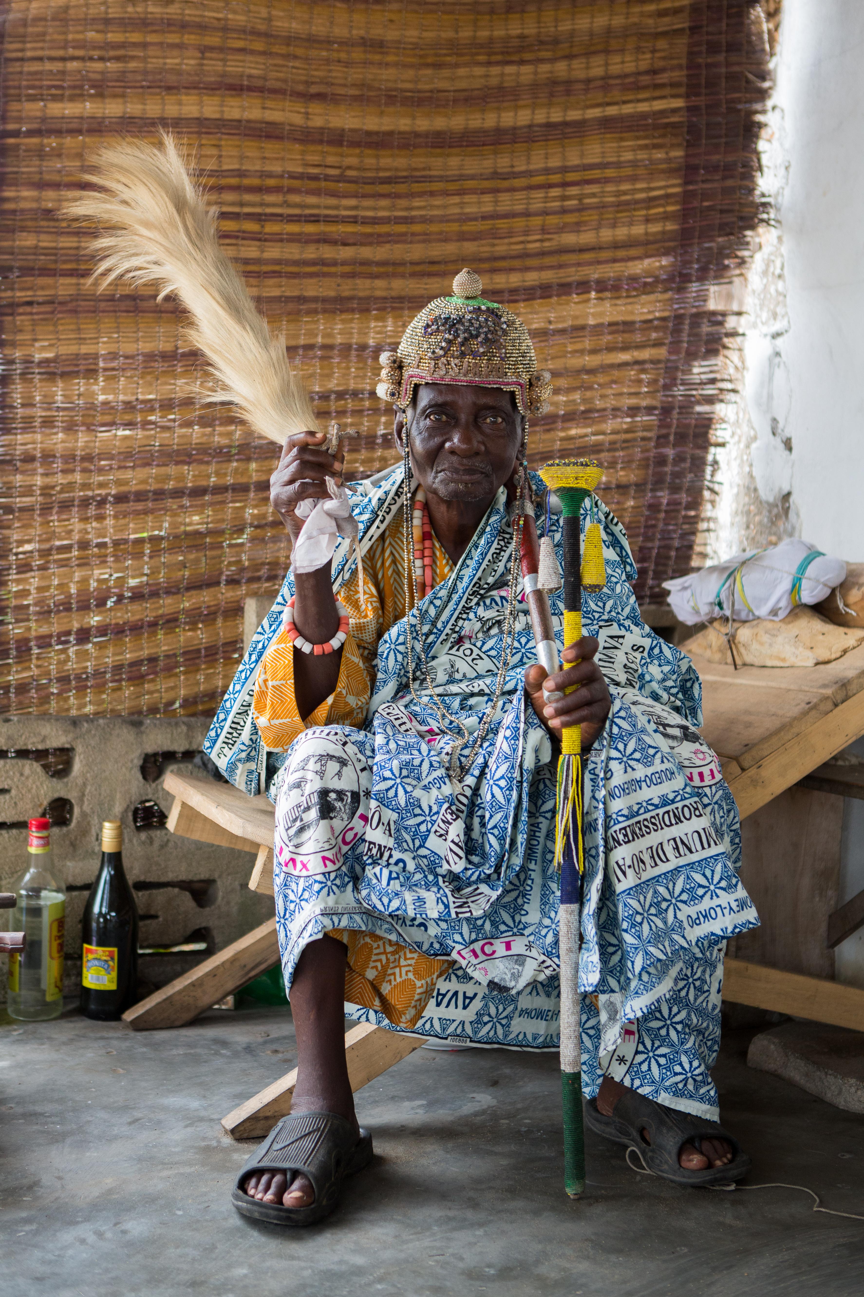 Ganvié. The king of Ganvié. Ganvié is a lakeside city in southern Benin that is part of the municipality of Sô-Ava in the Atlantic department, located on Lake Nokoué north of the metropolis of Cotonou, it is listed since 1996 on the indicative list ofUNESCO but it is not yet classified. Ganvié is one of the six projects included in the 2016-2021 Government Action Program (GAP) to develop tourism. The cost of the project is estimated at 20 billion CFA francs (about 30.5 million euros).It includes sanitation and cleaning of the lake (from mid-2018 to the end of 2019. Ganvié 1, Benin - March 28, 2018. Vie sur l'eau à Ganvié.  Le roi de ganvié. Ganviéest unecité lacustredu sud duBénin qui fait partie de lacommunedeSô-Avadans ledépartement de l'Atlantique, situé sur lelac Nokouéau nord de la métropole deCotonou, elle est inscrite depuis 1996 sur la liste indicative de l'UNESCO mais elle n'est pas encore classée. Ganvié fait partie des six projets retenus dans le Programme d'actions du gouvernement (PAG) 2016-2021 pourdévelopper le tourisme. Le coût du projet est estimé à 20milliards de FCFA (près de 30,5millions d'euros). Il comprend l'assainissement et le curage du lac (de la mi-2018 à la fin de 2019. Ganvié 1, Bénin- 28 mars 2018., 2018.